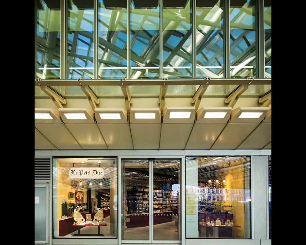 24-le-petit-duc-facade-boutique